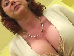 Huge Breasted Housewife Jana Loves To Play With Her Furry Pussy Mature Nl
