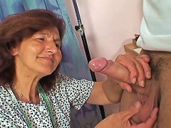 Sewing Old Women Swallows Customer's Cock Drtuber