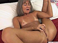 Hot Milf Sex And Cumshot Nuvid