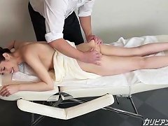 Milf Receives A Full Body Massage